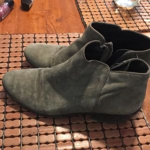 Gray used SE booties